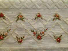 ponto reto - toalhabordado bargello o florentino ile ilgili görsel sonucu Hand Embroidery Dress, Hardanger Embroidery, Hand Embroidery Stitches, Silk Ribbon Embroidery, Hand Embroidery Designs, Embroidery Techniques, Cross Stitch Embroidery, Embroidered Roses, Paper Embroidery