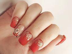 ♥️ Înainte - manichiură cu ojă semipermanentă după 5 săptămâni ♥️ După - manichiură cu ojă semipermanentă ♥️ Îndepărtarea cuticulei cu… Christmas Manicure, Nails, Beauty, Xmas Nails, Finger Nails, Ongles, Nail, Cosmetology, Nail Manicure