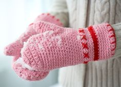 Sanna & Sania: Virka vantar, with pics, maybe can be translated? Crochet Mitts, Crochet Mittens Pattern, Crochet Diy, Crochet Amigurumi, Crochet Gloves, Crochet Slippers, Crochet Scarves, Crochet Patterns, Crochet Winter