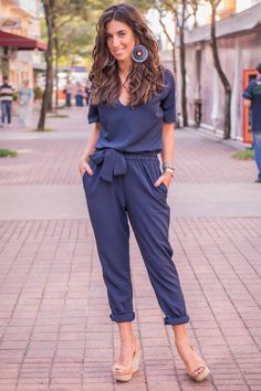 luiza sobral amabilis look of the day Chic Outfits, Girl Outfits, Summer Outfits, Fashion Outfits, Love Fashion, Fashion Looks, Playsuits, Jumpsuits, African Fashion