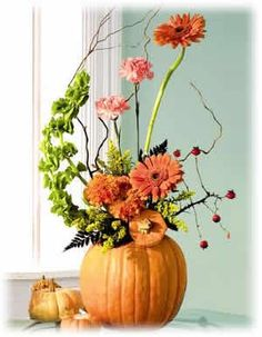 A rustic fall wedding in a country church! : wedding brown centerpiece cranber… A rustic fall wedding in a country church! Halloween Floral Arrangements, Pumpkin Arrangements, Fall Flower Arrangements, Artificial Flower Arrangements, Pumpkin Bouquet, Pumpkin Flower, Pumpkin Pumpkin, Seasonal Flowers, Fall Flowers