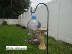 Homemade Bird Feeder with a Hawaiian Punch Jug! Easy DIY Children's Craft! #DIY #crafts #upcycle #birdfeeder #homemade #nature #kids