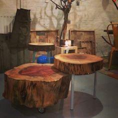 Gewoon leuk! Side tables van verschillende hoogtes, kleuren en materialen bij elkaar combineren. Het geeft een speels effect ❤  #boomstam #sidetable #boonstamtafel   http://www.creativeopen.nl/product-categorie/collecties/woodart/