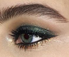 makeup looks for brown eyes makeup brown eyes makeup remover makeup caption eye makeup cause headaches makeup brushes without eye makeup makeup jewels Eye Makeup, Kiss Makeup, Makeup Kit, Makeup Inspo, Makeup Inspiration, Hair Makeup, Makeup Ideas, Makeup Monolid, Makeup Products