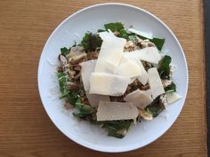 Τι θα φας σήμερα; Δοκίμασε μια πολύ γευστική και light σαλάτα με κοτόπουλο και πράσινα λαχανικά - http://ipop.gr/sintages/salates/ti-tha-fas-simera-dokimase-mia-poli-gefstiki-ke-light-salata-me-kotopoulo-ke-prasina-lachanika/