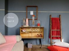 Un mur gris, un mur chic. L'Atelier des greniers, décoration. Decoration, Entryway, Chic, Vintage, Furniture, Home Decor, Grey Feature Wall, Scandinavian, Atelier