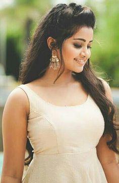 Beautiful Girl Indian, Most Beautiful Indian Actress, Beautiful Girl Image, Beautiful Eyes, Beautiful Actresses, Beautiful People, Tamil Actress Photos, Indian Film Actress, South Indian Actress