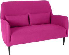 Daborn sofa. Fåes i flere farger og med eikeben. Dimensjoner: L140 x H92.5 x D66cm. Kr. 7970,-
