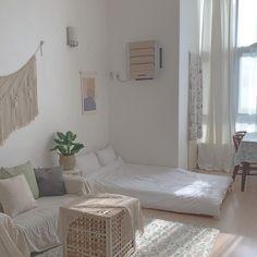 Kind expressed bedroom decor tips read the article Bedroom Interior, Bedroom Design, Room Inspiration, Bedroom Layouts, Interior Design Bedroom, Simple Bedroom, Bedroom Decor, Simple Bedroom Decor, Room Decor