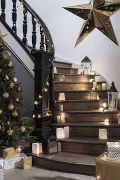 A nice bright decoration of the stairs for Christmas - Weihnachtsdeko draussen ☃️