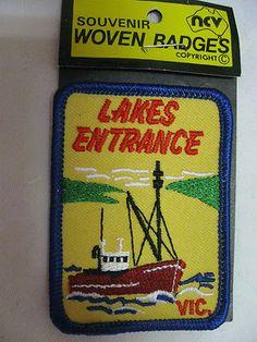 "Vintage Souvenir Cloth Badge - "" Lakes Entrance, VICTORIA, AUSTRALIA. Sold for $31.50."