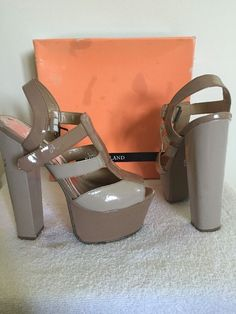 ed7b8095e55803 Women s RIVER ISLAND Platform Shoes Nude Size 5 Block High Heel Sandals  Boxed