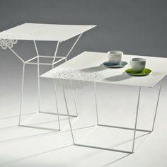 iDesignMe-LOVEThESIGN_LTG-tavolini bianchi http://idesignme.eu/2013/11/lovethesign-live-flash-sale/ #design #shoppin #sale #milano #table #product #productdesign