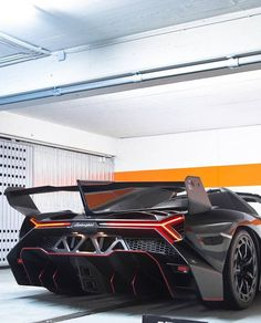 Lamborghini Veneno Roadster - LGMSports.com