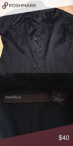Men's Perry Ellis dress shirt excellent condition. if you have any questions feel free to ask(: Perry Ellis Shirts Dress Shirts