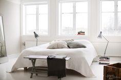http://www.digsdigs.com/50-cozy-and-comfy-scandinavian-bedroom-designs/
