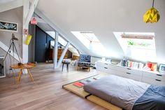 6a00d83451dcc969e201a511d6b877970c-pi 1000×667 pixels Attic Conversion Room, Attic Spaces, Attic Rooms, Loft Room, Cool Rooms, Pent House, Modern Bedroom, Home Bedroom, Roofing Shingles