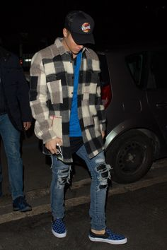 8. Outfit for opposite sex: Even though Justin Bieber is a trader he is very stylish and his outfits are always A1. I like the ripped jeans with the flannel.