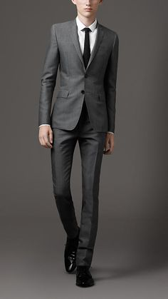 Burberry Slim Fit Wool Suit
