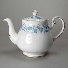 Colclough Braganza 8454 bone china Teapot
