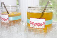lemonade and iced tea beverage table