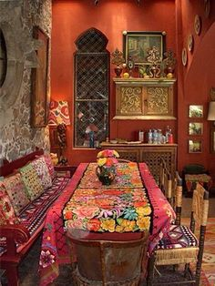 60 Comfy Moroccan Dining Room Design You Should Try. Tired of looking at the same bedroom, same dining room and same living room again and again? Bohemian Interior, Bohemian Decor, Bohemian Style, Modern Bohemian, Bohemian Grove, Gypsy Decor, Gypsy Style, Hippie Chic, Boho Chic