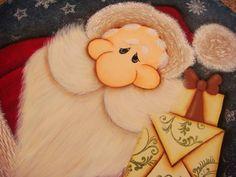 Guirlanda de Natal pintada a mao.