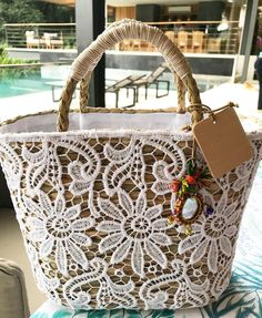 ideas basket shoes straw bag for 2019 Lace Bag, Unique Bags, Basket Bag, Summer Bags, Cute Bags, Handmade Bags, Bag Making, Straw Bag, Purses And Bags