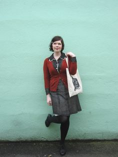 emily martin - vintage dress with fancy collar