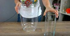 A hölgy egy gyertyát tesz a vázába, majd vizet önt rá, bámulatos dekoráció lesz belőle! - Bidista.com - A TippLista! Liquid Measuring Cup, Measuring Cups, Tricks, Barware, Bottle, Crafts, Water, Diys, Messages