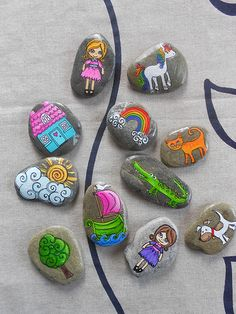 "Story Stones-reminds me a lot of the Resurrection eggs. Kids use the ""props"" to recall the story in their own words. (actually, paint the resurrection egg images onto the rocks. Pebble Painting, Love Painting, Pebble Art, Stone Crafts, Rock Crafts, Arts And Crafts, Art For Kids, Crafts For Kids, Painted Rocks"