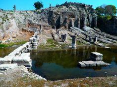 59 χλμ. μακριά από την Πάτρα κρύβεται ένας... πολιτισμικός παράδεισος ΟΙ ΟΙΝΙΑΔΕΣ