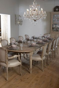 Luckier encouraged shabby chic dining room table Look at Shabby Chic Dining Room, French Country Dining Room, Dining Room Table Decor, Luxury Dining Room, Dining Room Design, Dinning Room Chandelier, Classic Dining Room Furniture, French Dining Chairs, Rooms Furniture