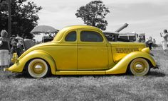 1935 Ford Coupe Maintenance of old vehicles: the material for new cogs/casters/gears/pads could be cast polyamide which I (Cast polyamide) can produce Vintage Cars, Antique Cars, Old Classic Cars, Old Fords, The Old Days, Car Ford, Street Rods, Hot Cars, Custom Cars