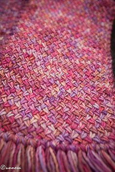 Ravelry: Varius scarf by Unnur Eva Arnarsdóttir - free pattern