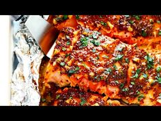Honey Mustard Salmon In Foil This Honey-Mustard Salmon In Foil recipe is the BEST. It's easy to make baked or grilled, it's full of great flavor, and it's … Foil Packet Dinners, Foil Pack Meals, Foil Dinners, Foil Packets, Salmon In Foil Recipes, Best Salmon Recipe, Homemade Honey Mustard, Honey Mustard Salmon, Grilling Recipes