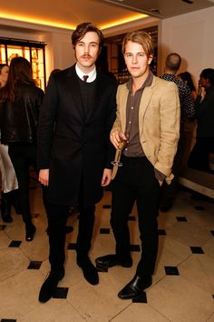 British actor #TomHughes and #BurberryAcoustic alumni @TomPeterOdell at the #SoItGoesxBurberry event in London, February 9, 2016.
