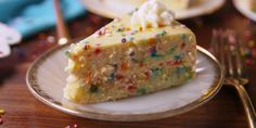 Funfetti fans, we've got the cheesecake for you.
