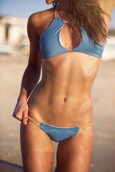 Work the middle girl!! The 3 surprising form tips you need for chiseled abs – ToneItUp.com