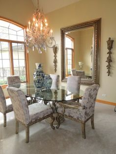 Traditional Formal Dining Room