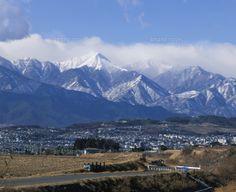 松本市郊外から望む北アルプス常念岳 (c)ISAMU HANAKA/SEBUN PHOTO