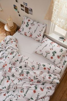 Georgina Stems Duvet Set - Home - Dorm Room İdeas Dream Rooms, Dream Bedroom, My New Room, My Room, Aesthetic Room Decor, Ideas Hogar, Duvet Sets, Queen Bedding Sets, Home Living