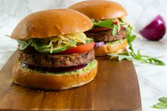 Looking for something a bit different this #veganuary? Give our delicious mushroom and black bean veggie burger recipe a go! Super easy to make, you can throw these veggie burgers into the frying pan for a quick dinner. Watch our step-by-step video to learn how. Veggie Bbq, Black Bean Veggie Burger, Veggie Burgers, Vegetarian Stuffed Peppers, Balanced Breakfast, Mushroom Burger, Low Calorie Dinners, Side Salad, Burger Recipes