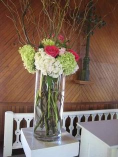 If you're planning on having your wedding in a church, you need to consider the best wedding flowers for your venue. You will have an easy time choosing church wedding flowers to. Curly Willow Centerpieces, Diy Centerpieces, Xbox Wedding, Church Wedding Flowers, Dream Wedding, Wedding Day, Wedding Stuff, May Weddings, Baby Shower