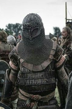 coif with mask veil as an element on helm? Viking Armor, Larp Armor, Knight Armor, Medieval Armor, Medieval Fantasy, Medieval Helmets, Armadura Medieval, Viking Reenactment, Armor Clothing