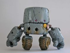 Custom Robot oxidado Minion diseñados y por Spacecowsmith en Etsy