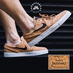 #nike #nikesb #stefanjanoski #cork #sneakerbaas #baasbovenbaas  Nike Sb Stefan Janoski 'Cork'- Another Cork release this year! We can't get enough of this fresh colorway and use of materials.  Now online available   Priced at 99.95 EU   Men Sizes 36- 46 EU