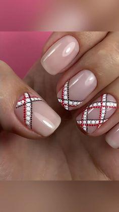 Plaid Nail Designs, Simple Nail Designs, Nail Art Designs Videos, Nail Design Video, Dot Nail Art, Nail Art Kit, Christmas Gel Nails, Plaid Nails, Easy Nail Art