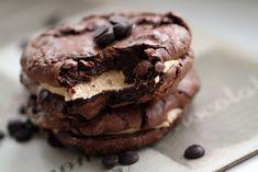 Sjokoladekjeks med peanøttsmør-frosting - Bakelyst