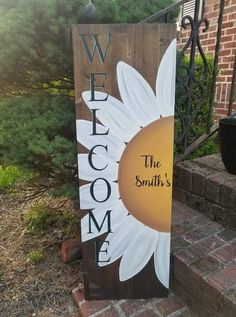 Arts and crafts sunflower signs barn wood, barn wood ideas, h. Arts and crafts # Welcome Signs Front Door, Wooden Welcome Signs, Wooden Signs, Barn Wood Crafts, Barn Wood Projects, Diy Projects, Pallet Crafts, Garden Projects, Garden Ideas